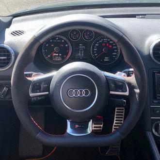Volant Audi RS3 cuir nappa lisse, Amantéa noir, point de croix, fil rouge