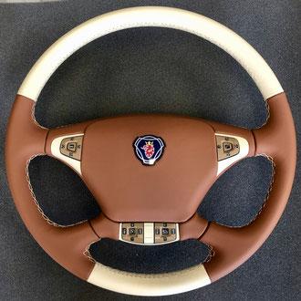 Volant Scania R cuir tan et creme, gainage du volant complet, point losange, fil creme