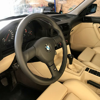 Volant BMW M5 cuir nappa lisse complet, point M 3 couleurs