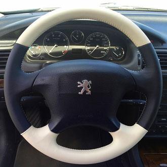 Volant cuir nappa noir perforé et blanc Tibet Peugeot 406 Coupé, points simples