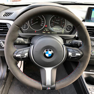 Volant BMW M Performance Alcantara noir, point M