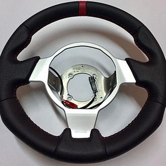 Volant Opel Speedster en cuir nappa lisse et perforé noir, bande de cuir nappa lisse à 12h, coutures rouges, point de croix