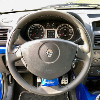 Volant Renault Clio V6 cuir nappa noir, point simple, fil gris