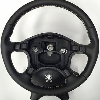 Volant Peugeot 406 Coupé Phase 1 cuir nappa noir coutures beiges, points de croix