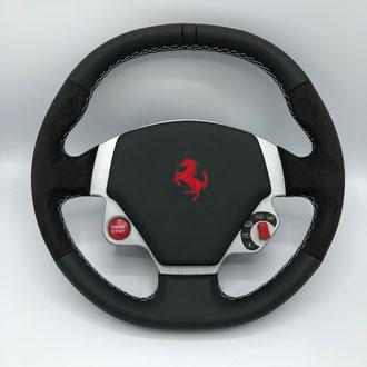 Volant Ferrari F430 Scuderia cuir nappa noir, amantea noir, point losange, fil blanc