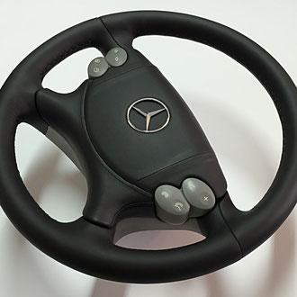 Volant Mercedes CLK cuir nappa lisse noir, coutures losanges, fil noir, gainage partie AirBag cuir nappa lisse noir