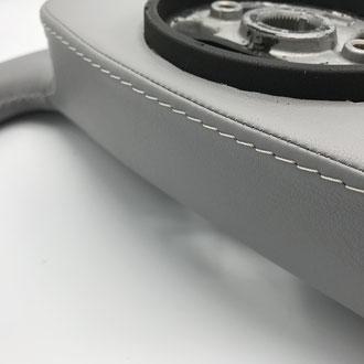 Couture volant Scania R cuir gris, surpiqure grise