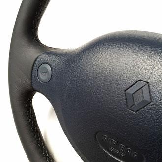 Détail volant Renault Clio 2 RS
