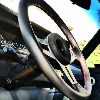 Volant cuir nappa noir coutures rouges VW Golf MK1 GTI  points de croix