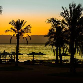 Sonnenaufgang am roten Meer in Dahab Sinai