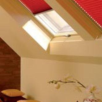 Faltstores für Wohndachfenster
