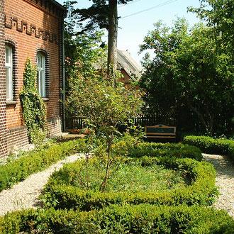 Wunderschöner alter Bauerngarten in Unbesandten
