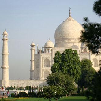 Taj Mahal, das schönste Bauwerk muslimischer Architektur in Indien.