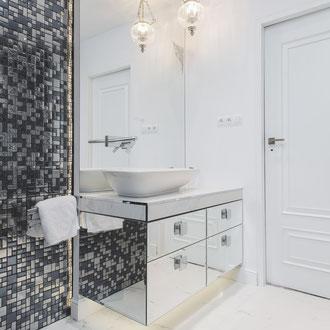 Projekt wnętrza w stylu glamour domu jednorodzinnego w Krynicy Zdrój