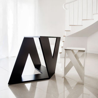 Autorski projekt designerskiego stolika kawowego i taboretu
