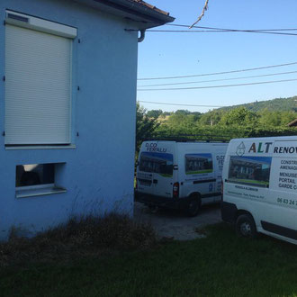 Devis sur mesure et gratuit, Décofer & Alu et ALT Rénovation remplacent vos fenêtres porte en ALU ou PVC et assurent la pose de volets roulants en Savoie , Haute Savoie et Isère.