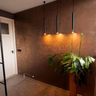 Metall putz gold bronze silber rost küche Keuken wohnen wonen statement charakter interior architektur luxus elegant robust aufzug Wand