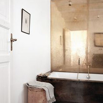 Metall putz gold bronze silber rost küche Keuken wohnen wonen statement charakter interior architektur luxus elegant robust badewanne bad zimmer