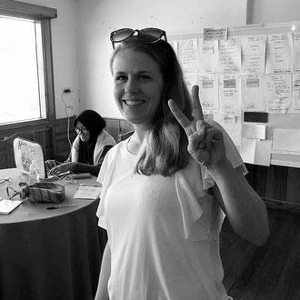 Linda (31), graphic designer from Sweden