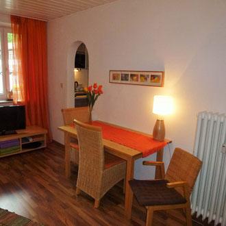Apartment 2, Essbereich