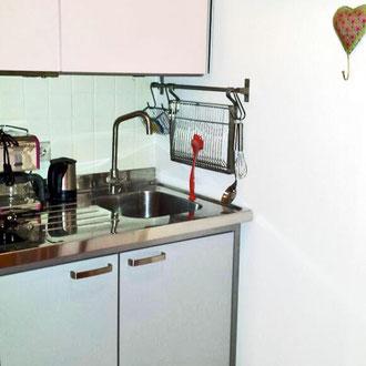 Apartment 1, moderner Einbauküche
