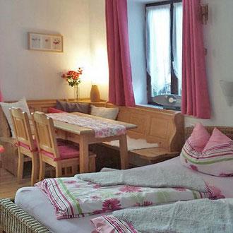 Apartment 1, Wohn- und Schlafbereich