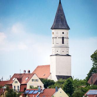 St. Bartholomäus von der Senderstraße her gesehen.
