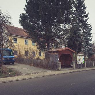 Das alte Schulhaus vor dem Abriss.  Aufnahme vom 4. Dezember 2016.