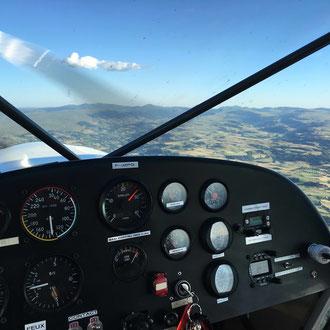 ULM en vol en Auvergne