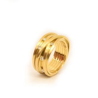Ring. 750/ooo Gold. Brillanten
