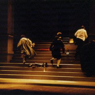 Tartuffe de Molière mise en scène de Laurent Laffargue scénographie Philippe Casaban, Eric Charbeau costumes : Hervé Poeydomenge lumières: Eric Blosse Création: Théâtre National de Bordeaux 1994.