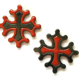 Croix occitane magnet diamètre 5 cm émaillé rouge et noir