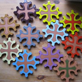 Croix occitane plate diamètre 14.5 différentes couleurs