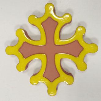 Croix occitane plate diamètre 14.5 émaillé à l'extérieur jaune