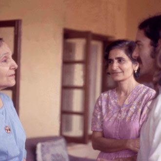 1975 Meherazad : Mehera with Meheru Irani and Anthony Zois. Photo taken by Sher DiMaggio Zois
