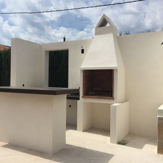 Construction of an outdoor kitchen