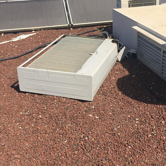 Airconditioning machine fallen of the roof