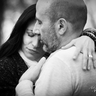 shooting photo de couple en extérieur