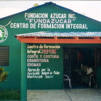 """Santo Domingo  """"Scuola di sartoria"""""""
