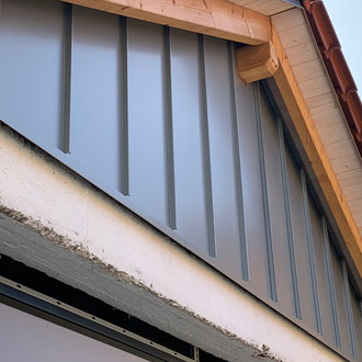Fassadenverkleidung Stehfalztechnik