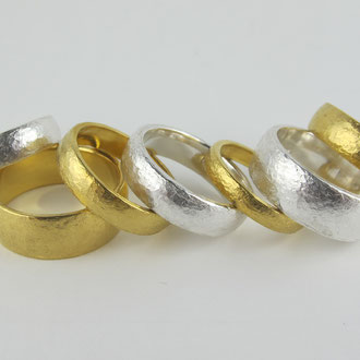Eheringe Hochzeitsringe, Trauringe Silber und Feingold  hangeschmiedet