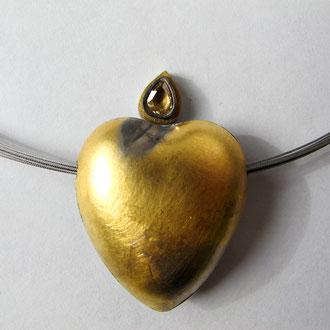 Unikat Herz aus Palladium mit Diamantrose