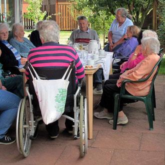 Gemeinsame Mahlzeit - bei schönem Wetter gern auch auf der Terrasse