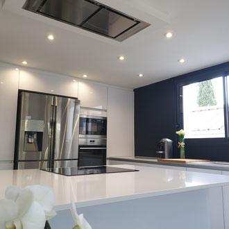cuisine intérieur design création toulouse moderne cuisine design contemporaine cuisine avec ilot, cuisine avec verrière,cuisine laque blanche granit noir