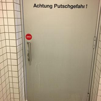 """""""Putschgefahr"""" © Stefan Hoch"""