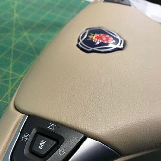 Volant Scania R cuir beige, gainage du volant complet, point de croix, fil beige
