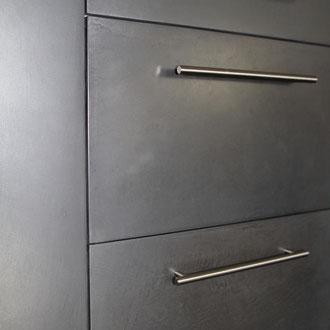 Metall putz gold bronze silber rost küche Keuken wohnen wonen statement charakter interior architektur luxus elegant robust kasten