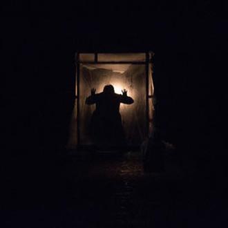 Scénographie Eric Charbeau, Philippe Casaban . Scelus (rendre beau). TNBA Bordeaux. Texte de Solenn Denis. Mise en scène: Solenn Denis et Erwan Daouphar.