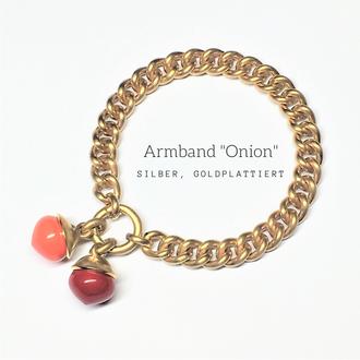 Armband, Silber goldplattiert mit Onion-Pendants, rek. Koralle