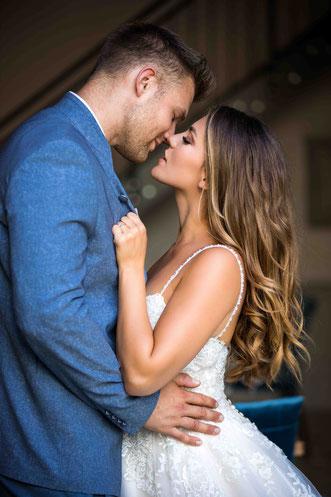 Worauf sollte ich bei einem Hochzeitsfotografen achten? Die Besten Hochzeitsfotografen. Sympathischer Hochzeitsfotograf. Premium Fotograf Ralf Riehl für Hochzeiten.